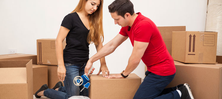 Girl-helping-her-boyfriend-move-000069270543_Medium.jpg